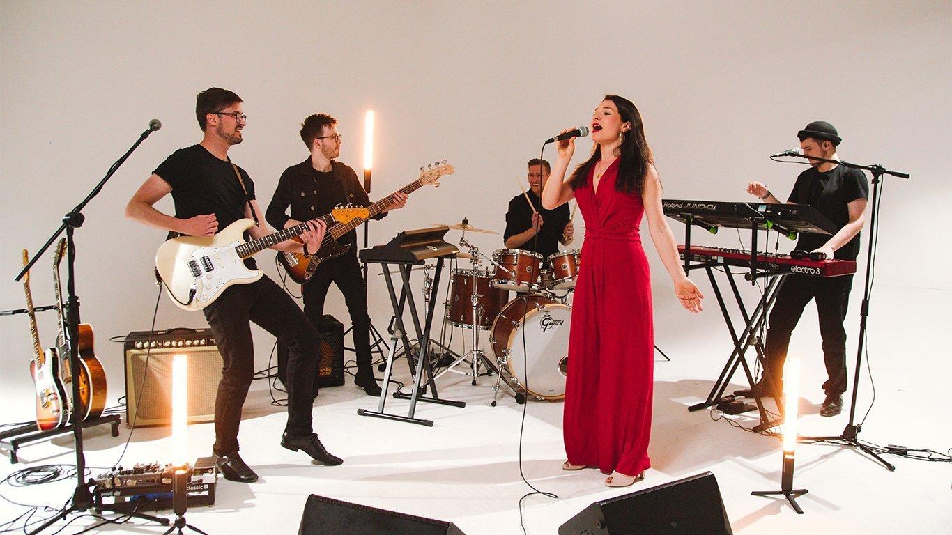 Heatwave wedding band